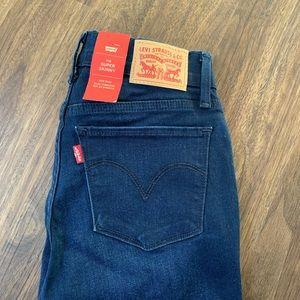 Levi's Blue Denim Skinny Jeans 👖